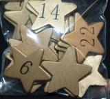 Chiffres en bois pour calendrier de l'avent sur etoiles dorees, 3 cm, sct.-LS 24 pces, or
