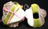 Lot coeur+fleur en plastique decore perles/fil vert/rose/blanc, taille : 9cm