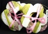 Lot coeur+fleur en plastique decore perles/fil vert/rose/blanc, taille : 16cm