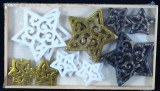 Petits objets en polyresine: Etoiles, ornemental 2+4cm, boite en bois 18 pces, assorties