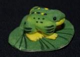 Grenouille sur feuille, 2,5 cm